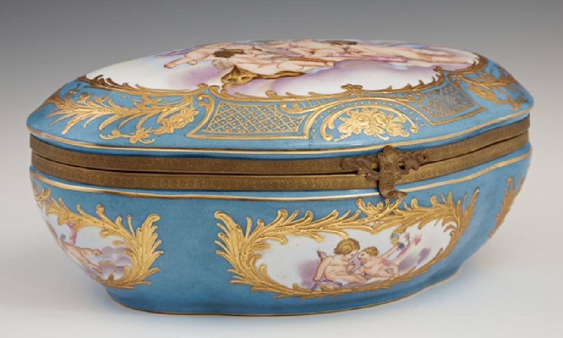 Sevres Style Porcelain Dresser Box, 20th c., of shaped - 2