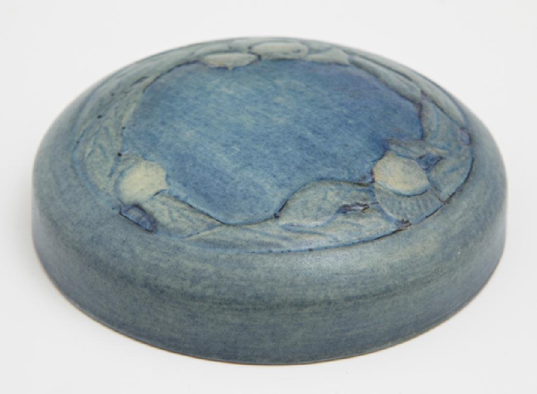 Newcomb College Matte Glaze Covered Jar Lid, early 20th