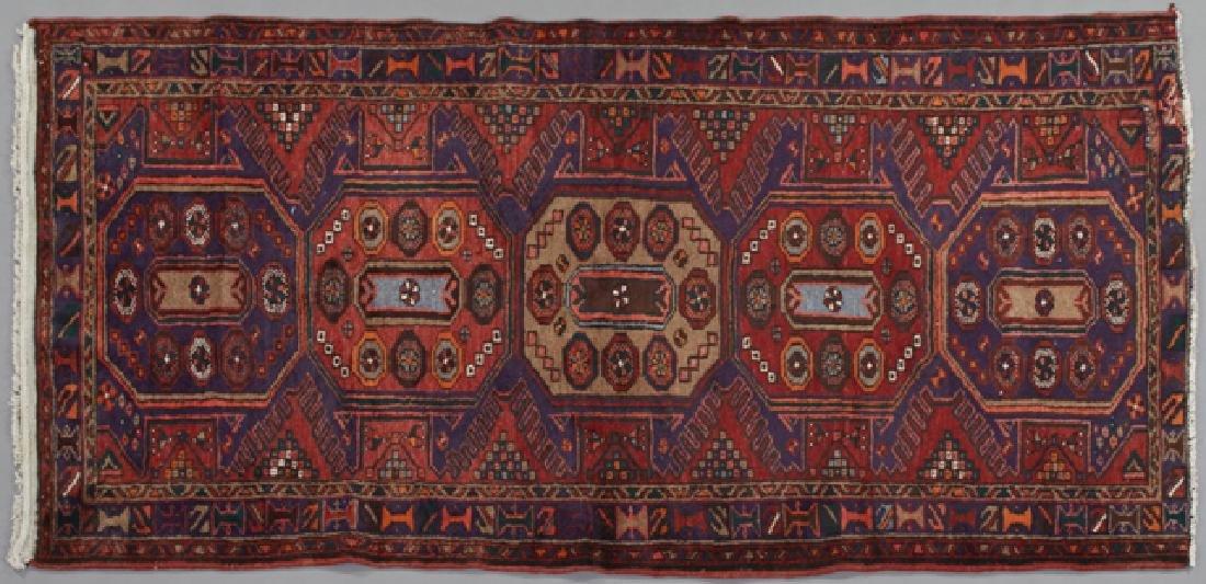 Baktiari Carpet, 3' 5 x 6' 9