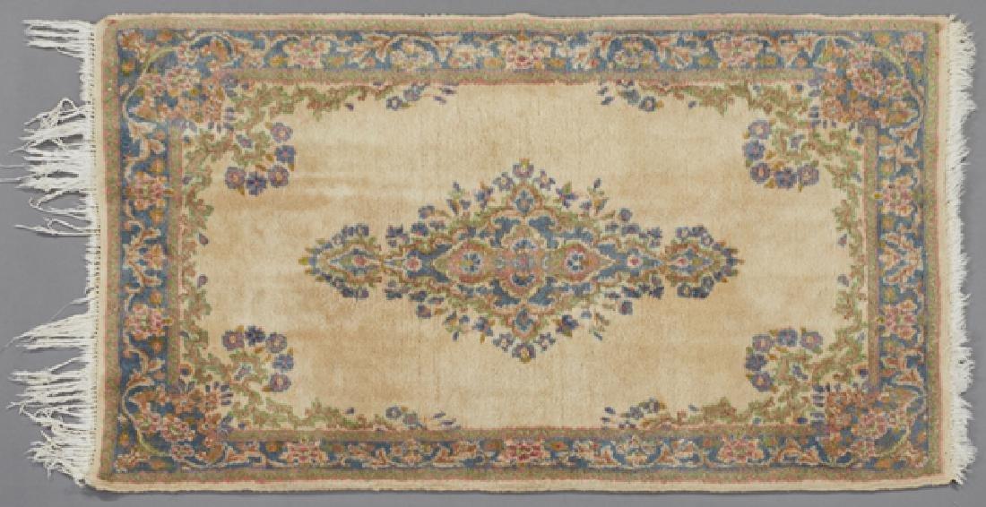 Kirman Carpet, 2' 10 x 5' 7.