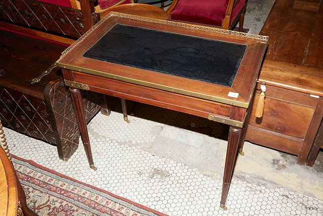 French Louis XVI Style Diminutive Writing Table, 19th - 2