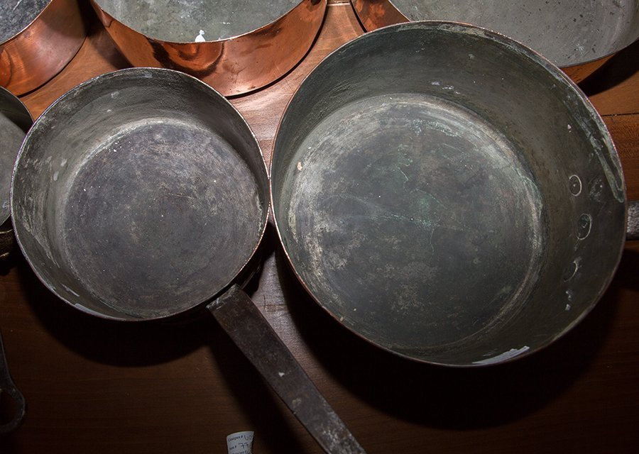 Group of Seven French Graduated Sauce Pans, late 19th - 4