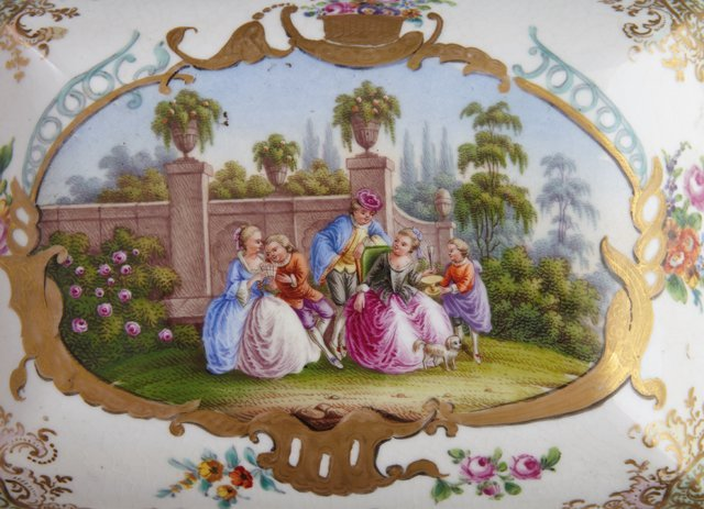 Two Painted Porcelain Dresser Boxes, late 19th c., - 3