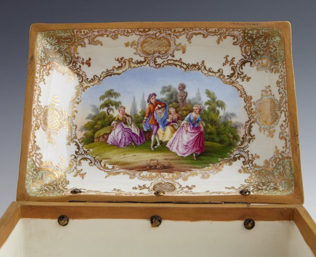 Two Painted Porcelain Dresser Boxes, late 19th c., - 7