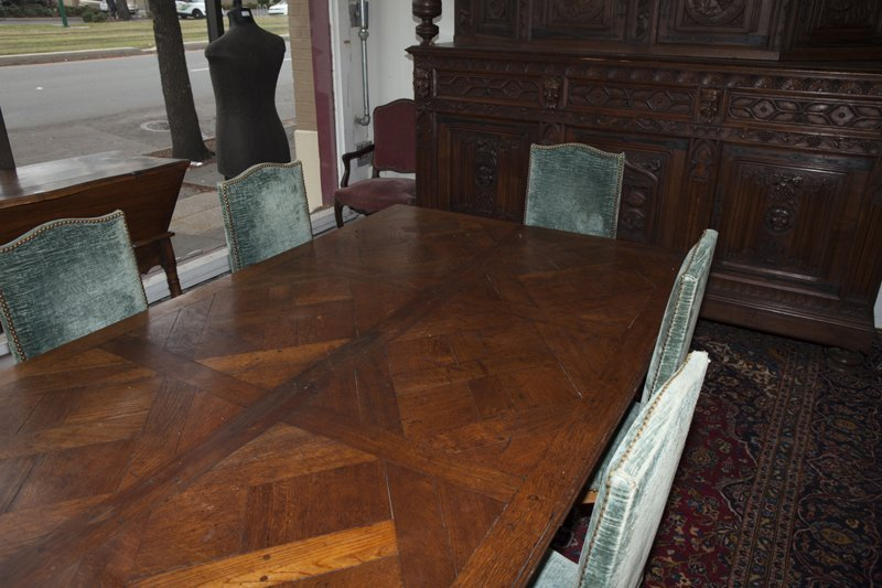 French Provincial Carved Oak Louis XV Style Dining - 4