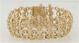 18K Yellow Gold Link Bracelet, the links comprised of