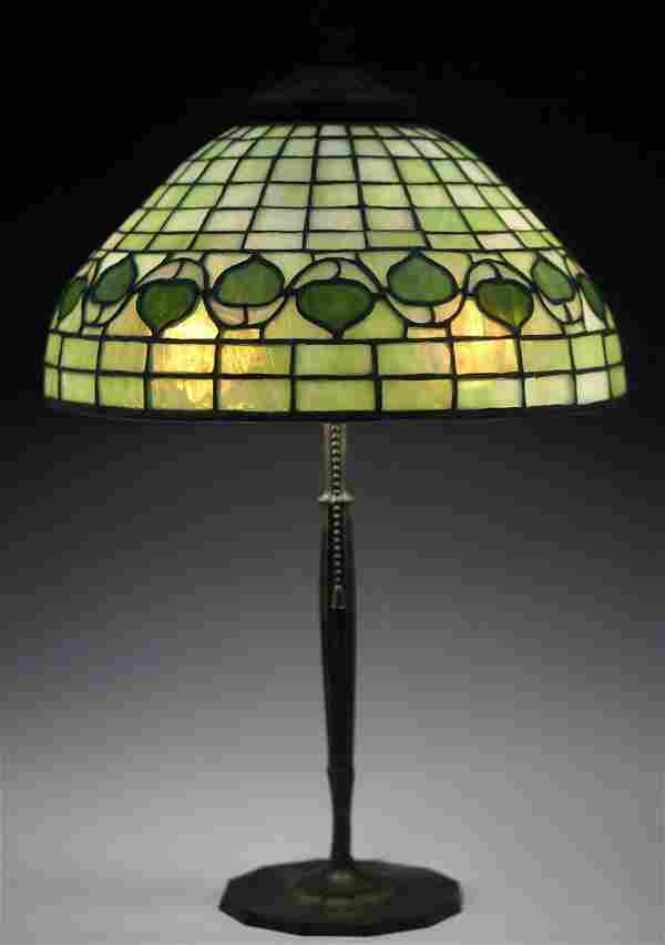 Tiffany Studios Art Nouveau Leaded Glass Table Lamp,