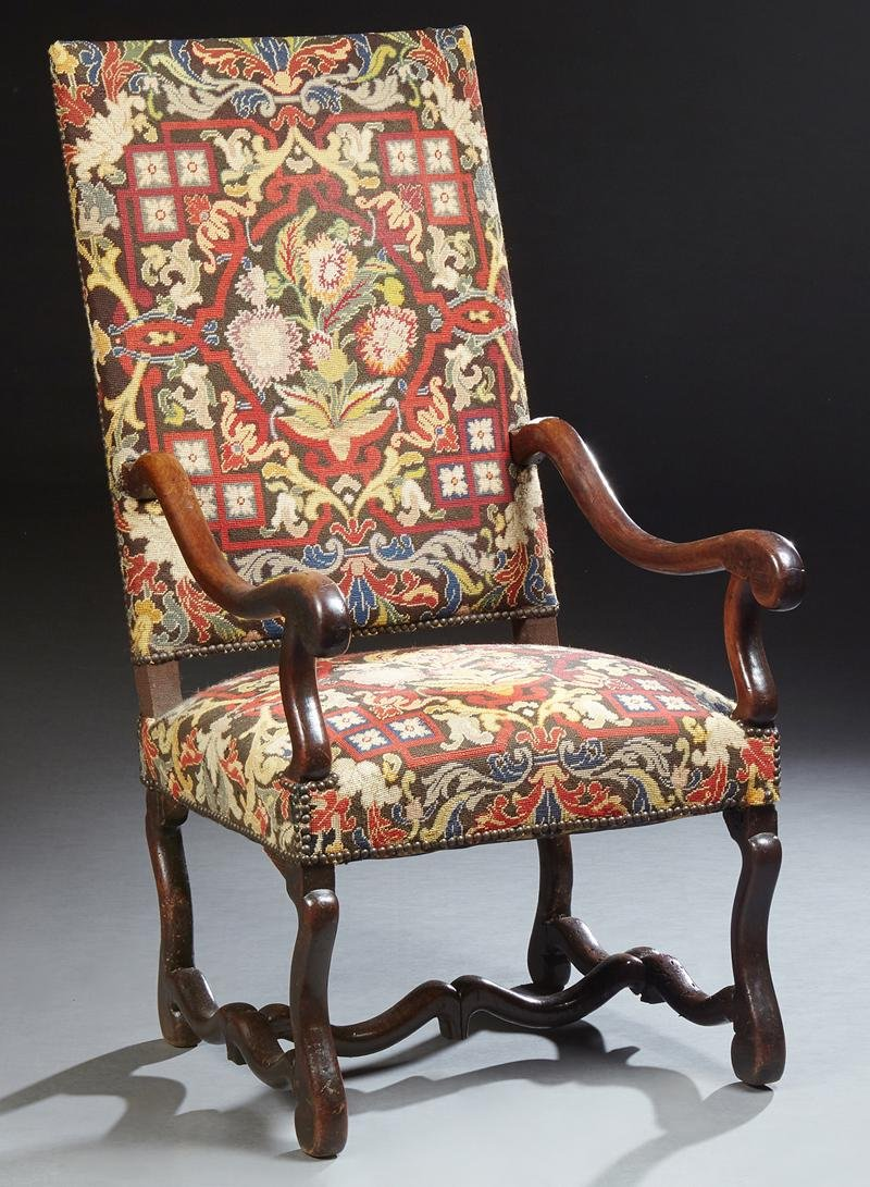 French Carved Walnut Fauteuil a la Reine, 20th c., the