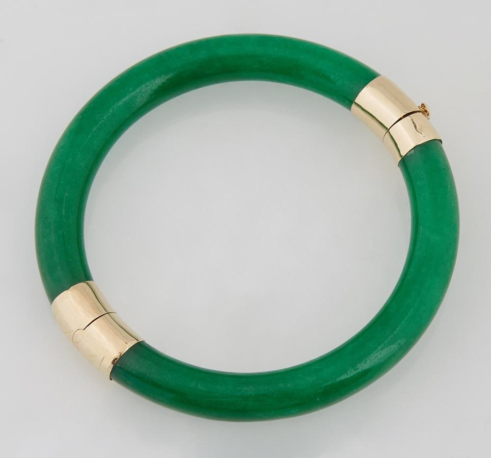 14K Yellow Gold and Jade Hinged Bangle Bracelet, with a