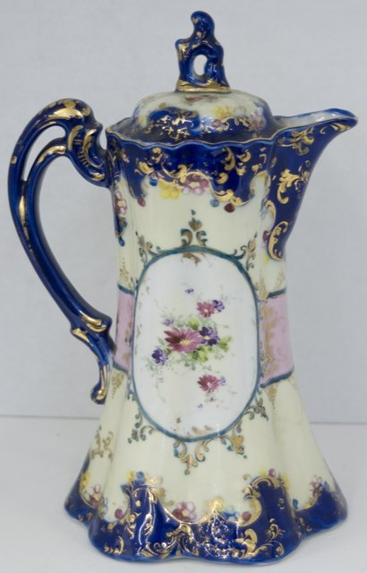 8: Continental Porcelain Chocolate Pot, 19th c., the si