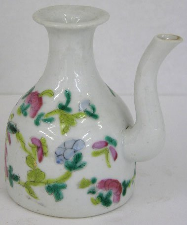 16: Chinese Ching Dynasty Porcelain Sauce Pitcher, late