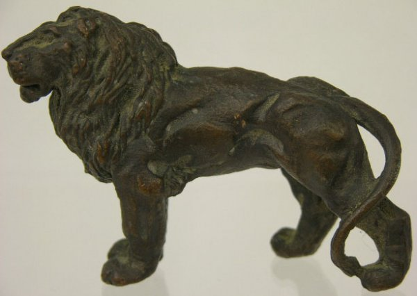754: Bronze Lion Paperweight, early 20th c., H.- 2 1/8