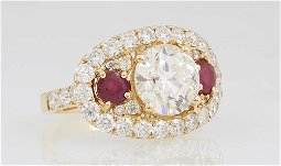 Lady's 18K Yellow Gold Dinner Ring, with a central 2.9