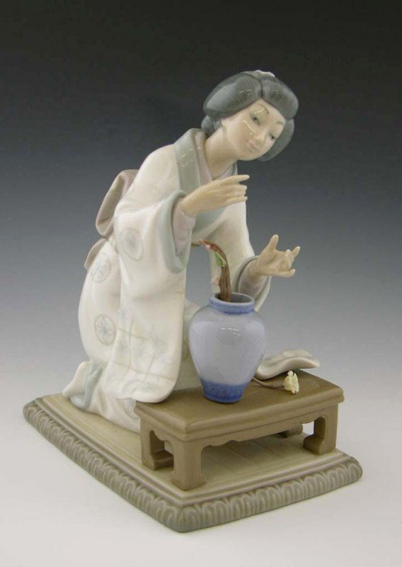 "20: Lladro Porcelain Figure, ""Geisha Arranging Flowers,"