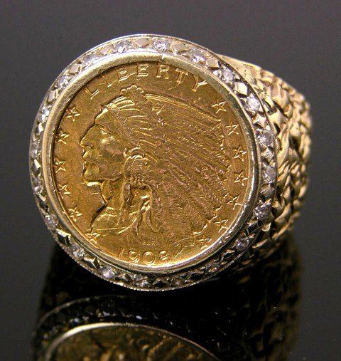 621: Man's 14K Yellow Gold Dinner Ring, mounted with a