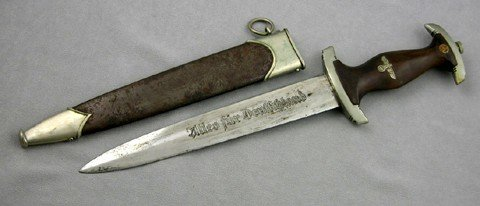 786: Nazi SA Dagger, c. 1940, the wooden handle with an