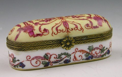 807: Meissen Porcelain Dresser Box, late 19th c., with