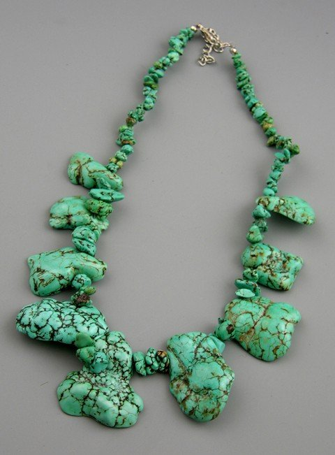 809: Turquoise Chip and Nugget Necklace, L.- 16 1/2 in.