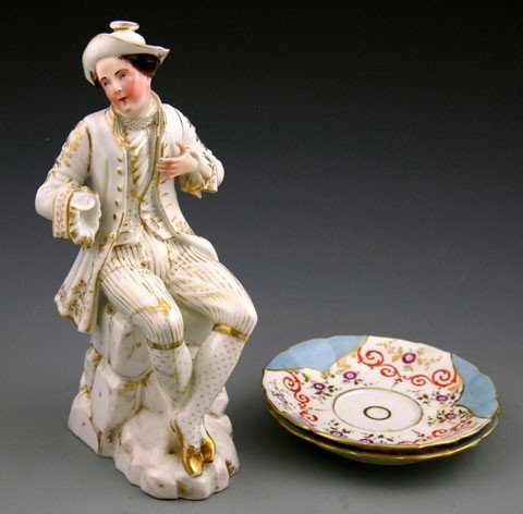 10: Three Pieces of Old Paris Porcelain, early 19th c.,