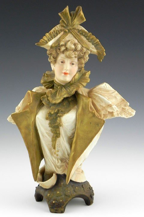 10: Turn Teplitz Pottery Bust, c. 1900, probably by Ern
