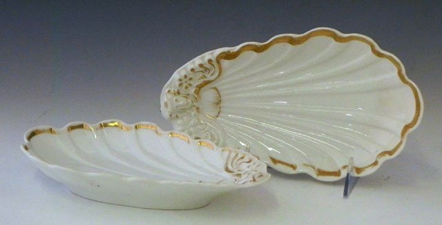 7: Pair of Continental Porcelain Shell Form Dishes, 19t