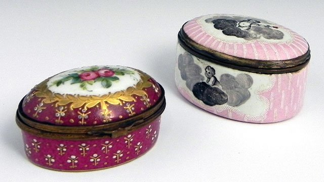 759: Two Porcelain Pill Boxes, one Sevres, late 19th c.