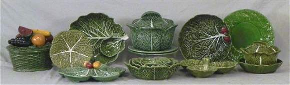 1030 Group of Sixteen Pieces of Majolica 20th c con