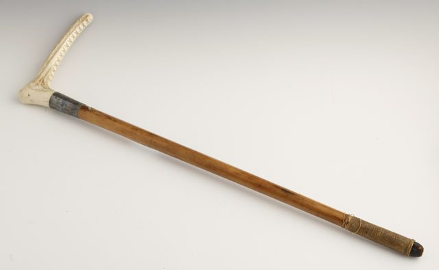 801: English Carved Wood Bone Handle Riding Crop, c. 19
