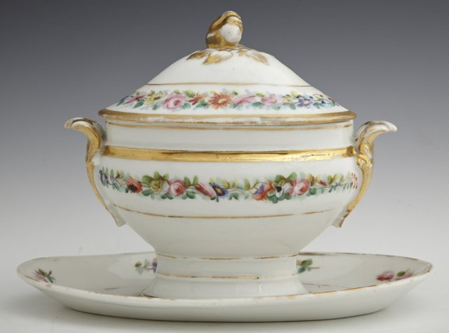 Old Paris Porcelain Covered Sauce Boat, 19th c., with g
