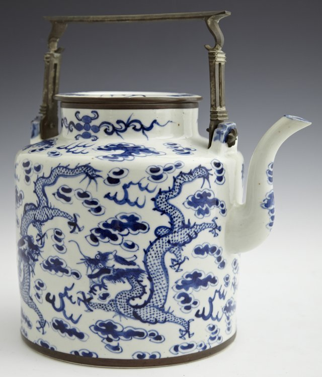 Large Chinese Blue and White Porcelain Teapot, 19th c.,