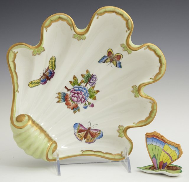 Two Pieces of Herend Porcelain, 20th c., consisting of