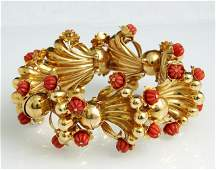 18K Yellow Gold and Carved Coral Link Bracelet mid