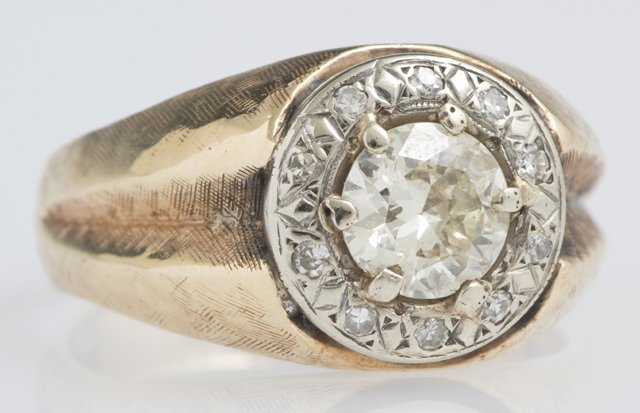 Man's 14K Yellow Gold Dinner Ring, with a central 2