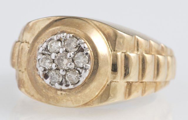 Lady's 10K Yellow Gold Diamond Ring, the top with seven