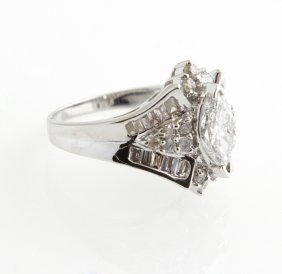 Lady's 18k White Gold Dinner Ring, With A 1.04 Carat