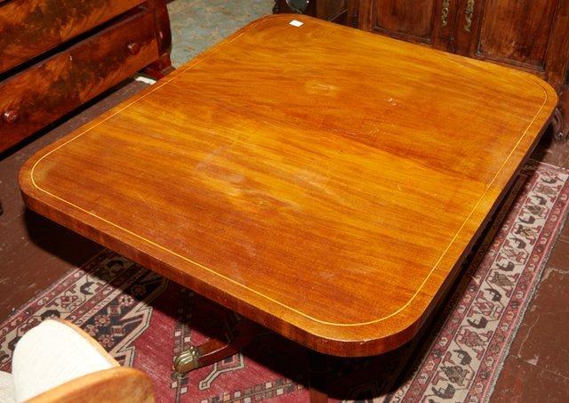 English Victorian Inlaid Mahogany Breakfast Table, 19th - 2