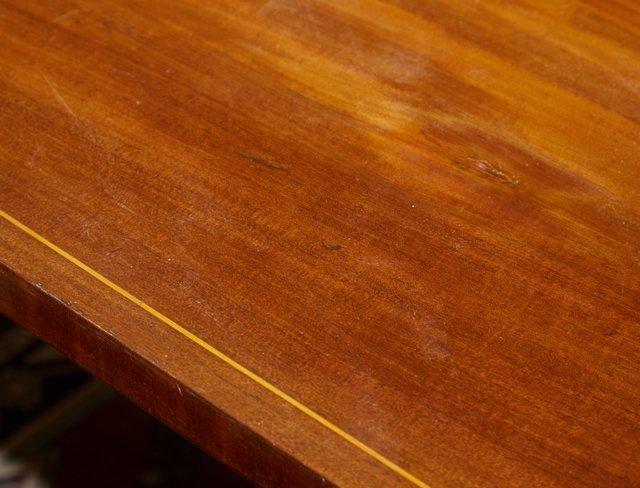 English Victorian Inlaid Mahogany Breakfast Table, 19th - 3