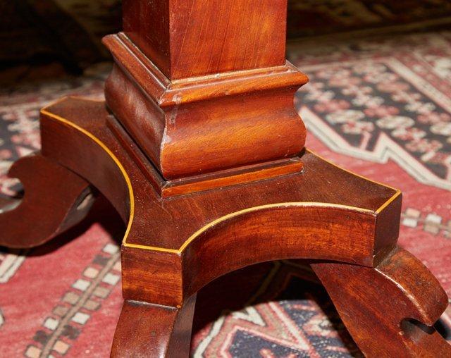 English Victorian Inlaid Mahogany Breakfast Table, 19th - 5