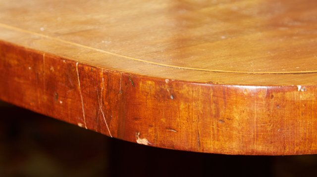 English Victorian Inlaid Mahogany Breakfast Table, 19th - 7