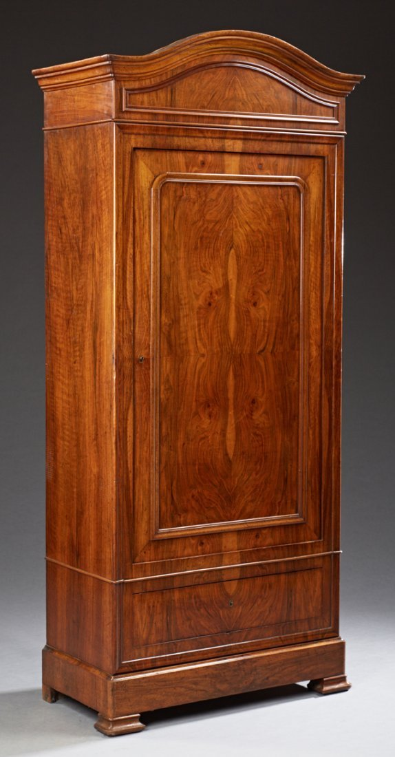 French Louis Philippe Carved Walnut Bonnetiere, 19th