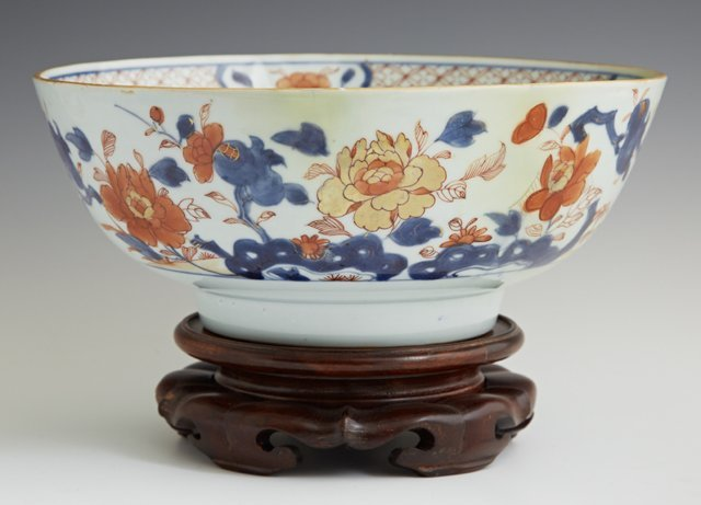 Imari Porcelain Footed Bowl, 19th c., with a floral