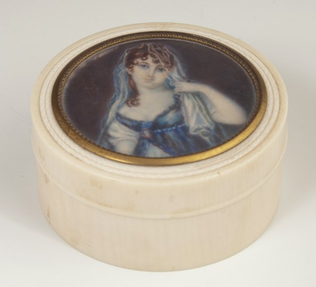French Carved Ivory Circular Dresser Box, late 19th c.,