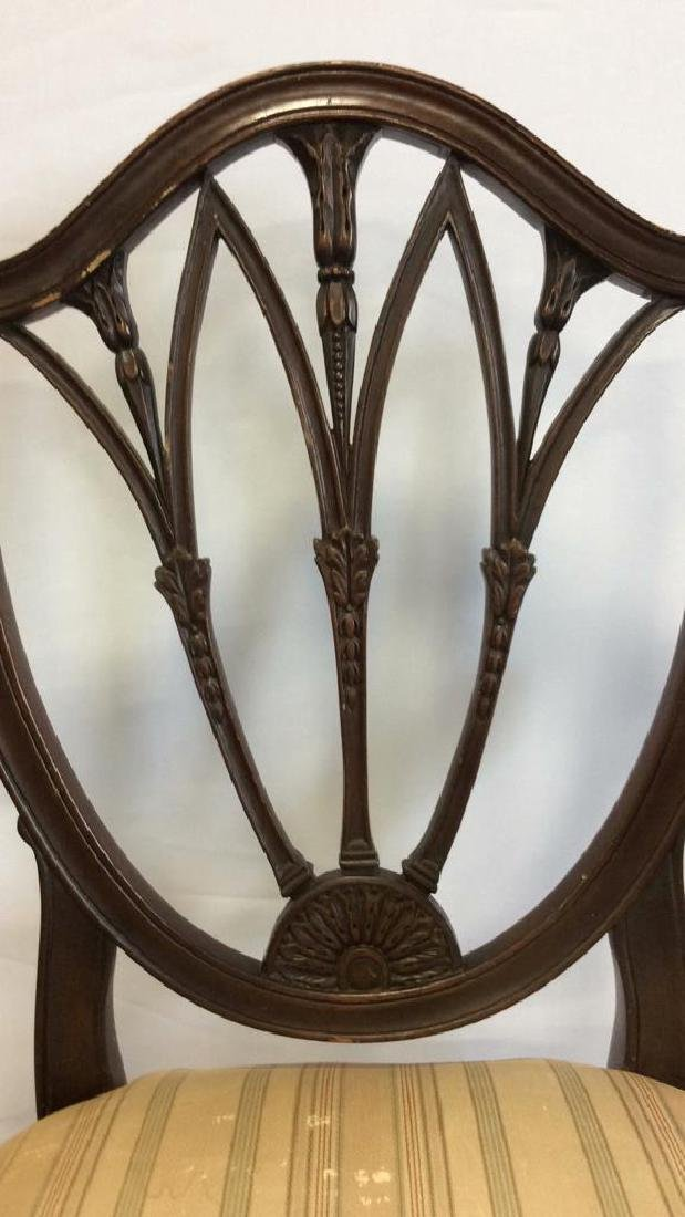 2 Carved Vintage Sheridan Style Chairs Two carved - 7