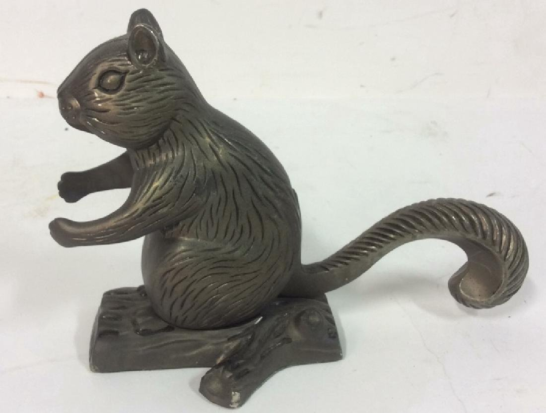 Vintage Metal Squirrel Nutcracker Squirrel form vintage - 4