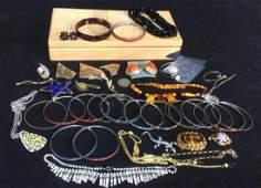 Group Lot Vintage & Costume Jewelry Many bangle
