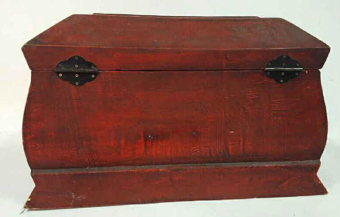 Vintage Red Painted Wood Chest Vintage Red Painted Wood - 8