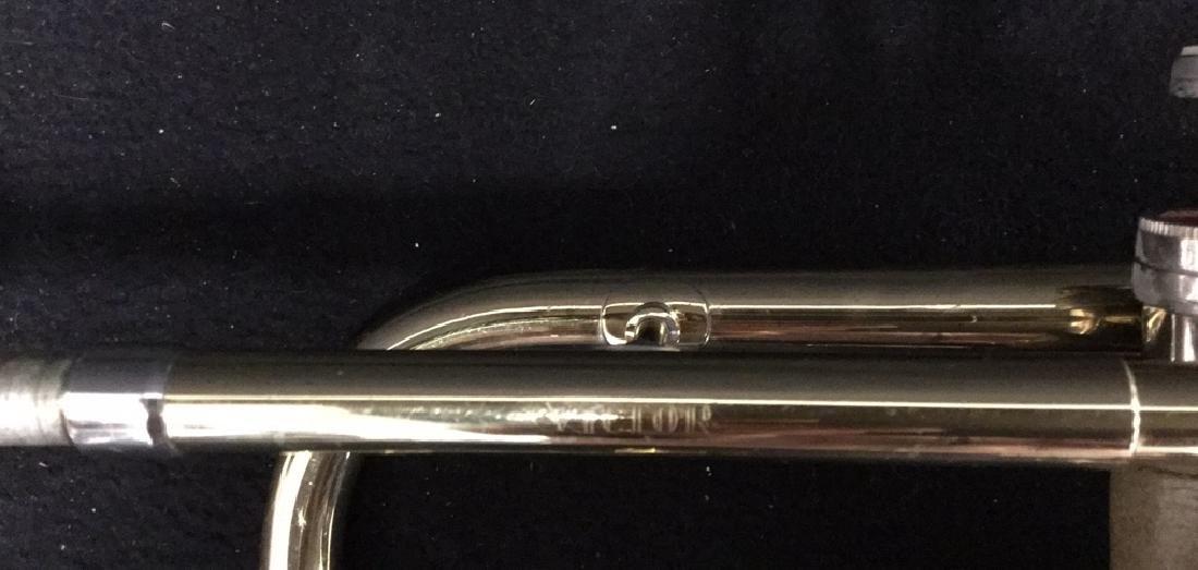 Brass Conn Trumpet With Case Brass trumpet from Conn - 4