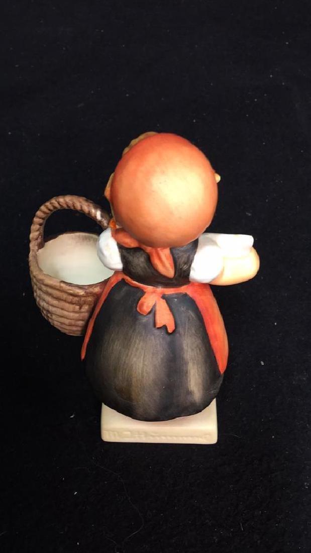 5 Goebel Hummel Figurines Assortment of Hummel - 5