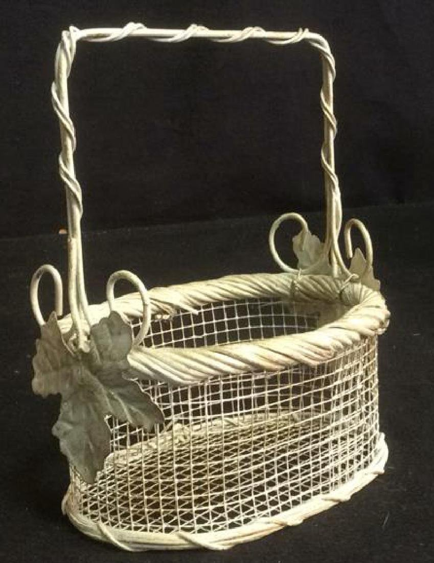 Group Woven Bags Baskets and Baskets Two Wicker bags - 3