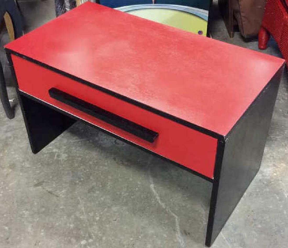 Mid Painted Red Black Low Table Graphic pop red black - 2